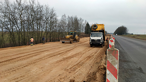 А как у них? Репортаж с реконструкции белорусской автодороги