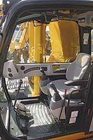Кабина гусеничного экскаватора JS460