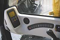 Пульт управления гусеничного экскаватора зарубежного производства JS460