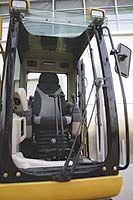 Кабина гусеничного экскаватора зарубежного производства 318C