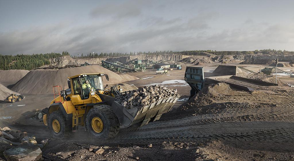 Компания Volvo представила новинки в классе 18-38 тонн