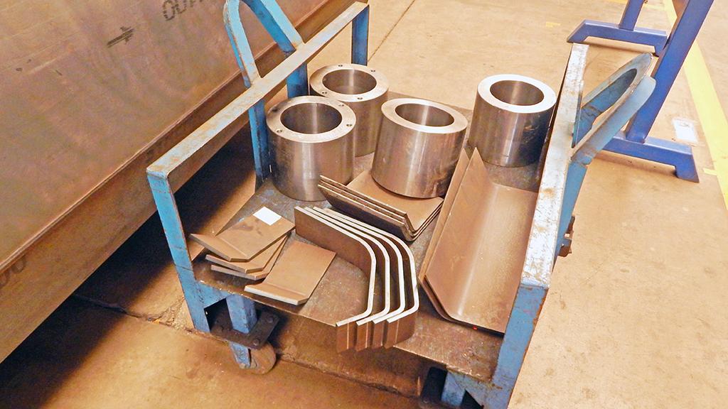 Часть комплектующих изготавливают на заводе, часть закупают у других производителей