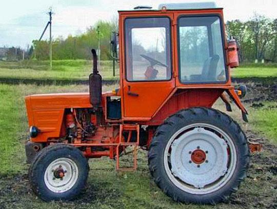 Эксплуатационная масса трактора Т-25 составляет 1 575 кг