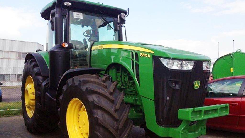 Состояние дорожного полотна может существенно влиять на расход топлива тракторов