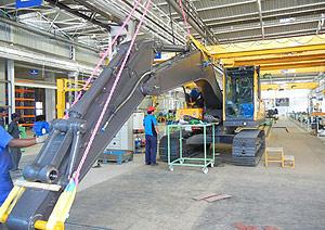 Производство новых экскаваторов Volvo в Индии