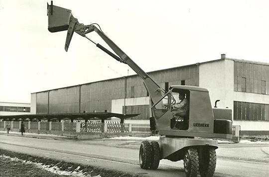 Liebherr L300