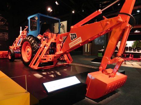 Первые экскаваторы-погрузчики: оборудование монтируется на базу трактора Fordson